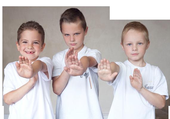 Kinder Selbstverteidigung mit Selbstbewusstsein
